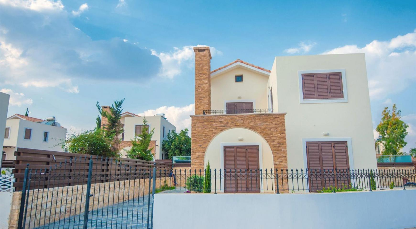 New 4 Bedroom Villa on the Seafront of Ayia Thekla - 15