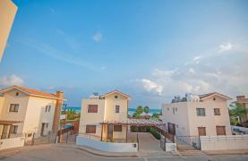 New 4 Bedroom Villa on the Seafront of Ayia Thekla - 40