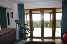 Spacious 4 Bedroom Villa with Stunning Sea and Mountain Views - 14
