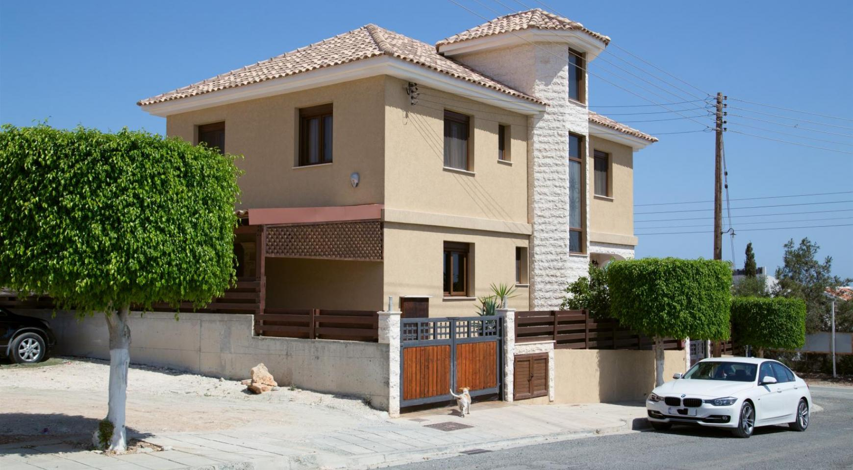 Spacious 4 Bedroom Villa with Stunning Sea and Mountain Views - 6