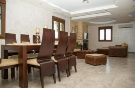 Spacious 4 Bedroom Villa with Stunning Sea and Mountain Views - 41