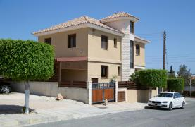 Spacious 4 Bedroom Villa with Stunning Sea and Mountain Views - 35