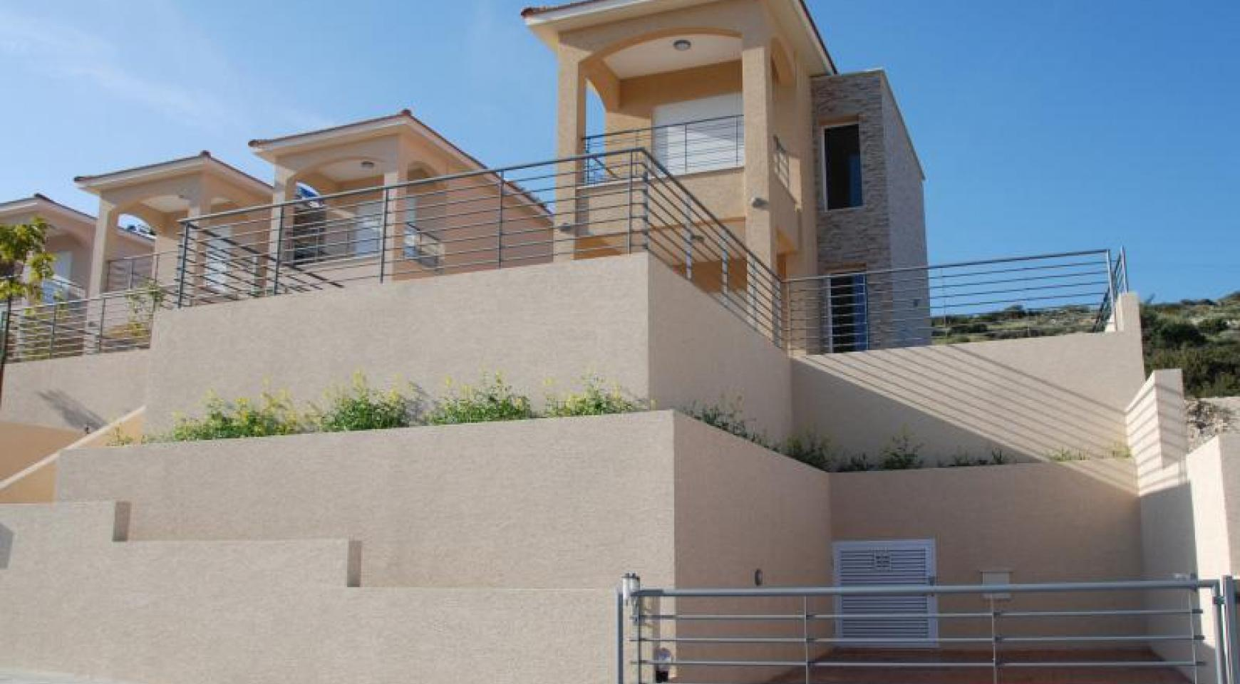 New 3 Bedroom House with Unobstructed Sea Views  - 4