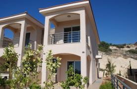New 3 Bedroom House with Unobstructed Sea Views  - 11