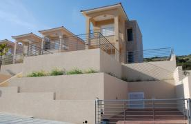 New 3 Bedroom House with Unobstructed Sea Views  - 12