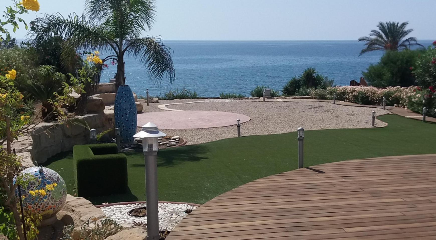 Beautiful Spacious Villa by the Sea in Zygi - 1