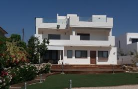 Beautiful Spacious Villa by the Sea in Zygi - 16