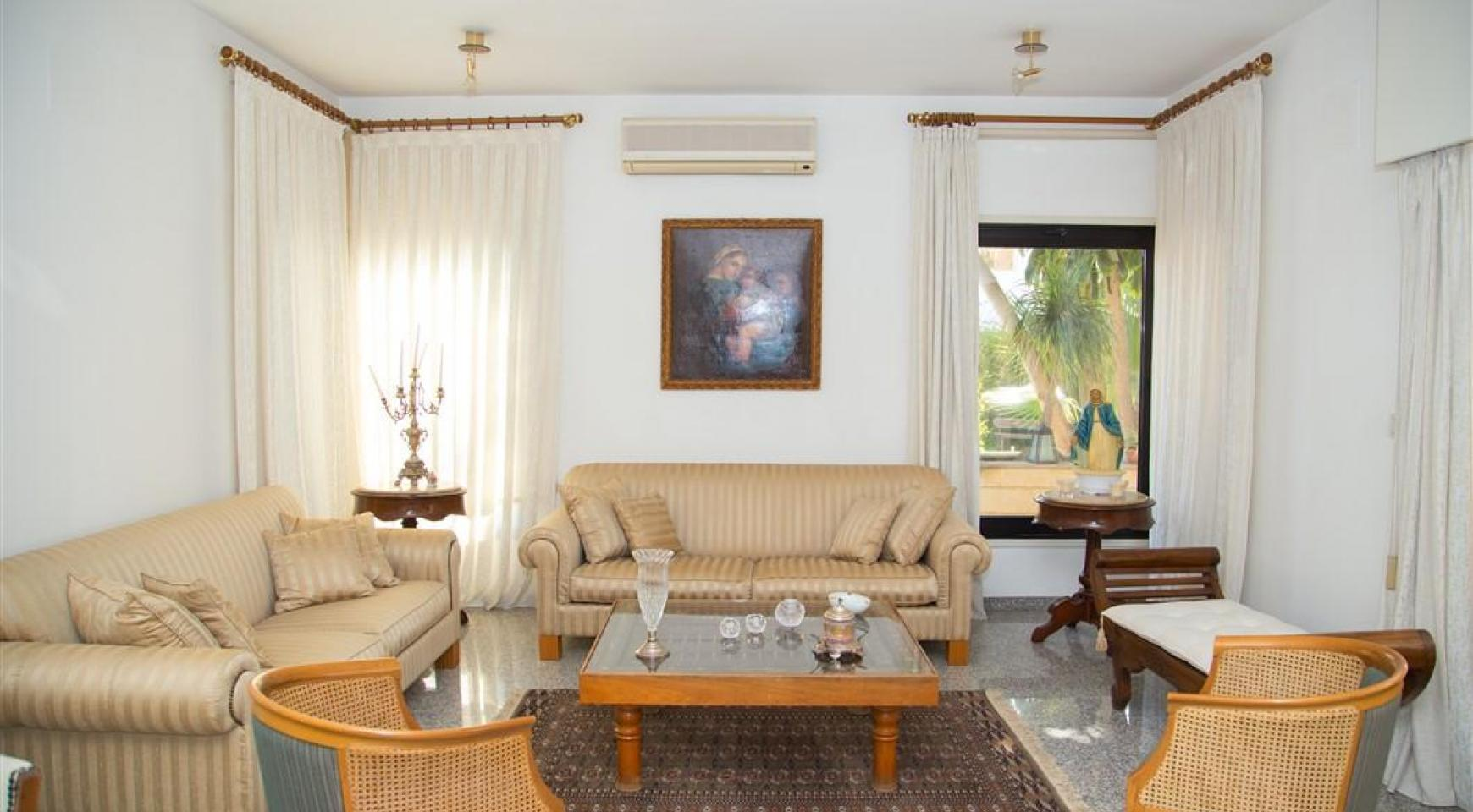 4 Bedroom Villa in Germasogeia Area - 11