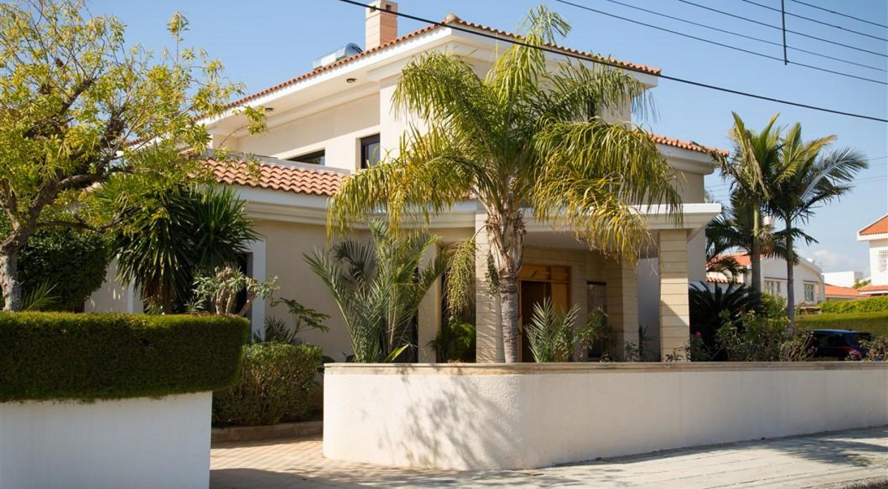 4 Bedroom Villa in Germasogeia Area - 1