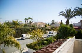 4 Bedroom Villa in Germasogeia Area - 37