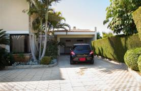 4 Bedroom Villa in Germasogeia Area - 34