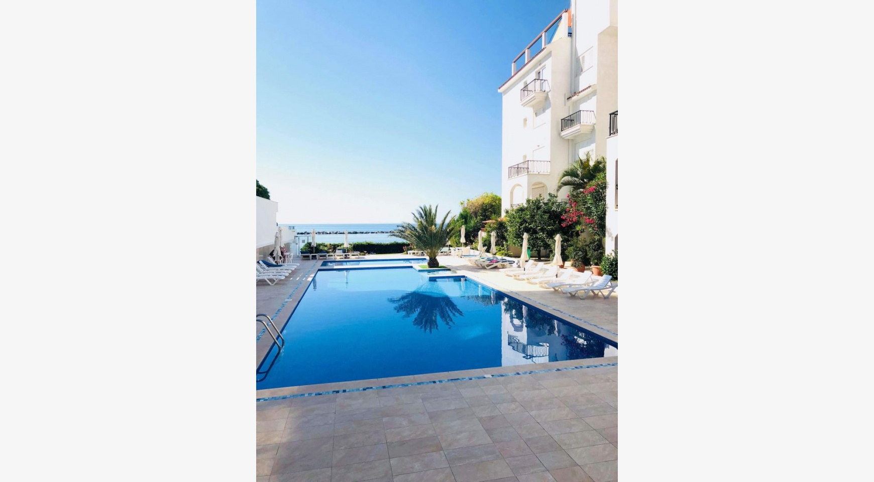 2 Bedroom Apartment on the Seafront in the Tourist Area - 1