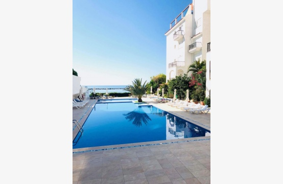 2 Bedroom Apartment on the Seafront in the Tourist Area