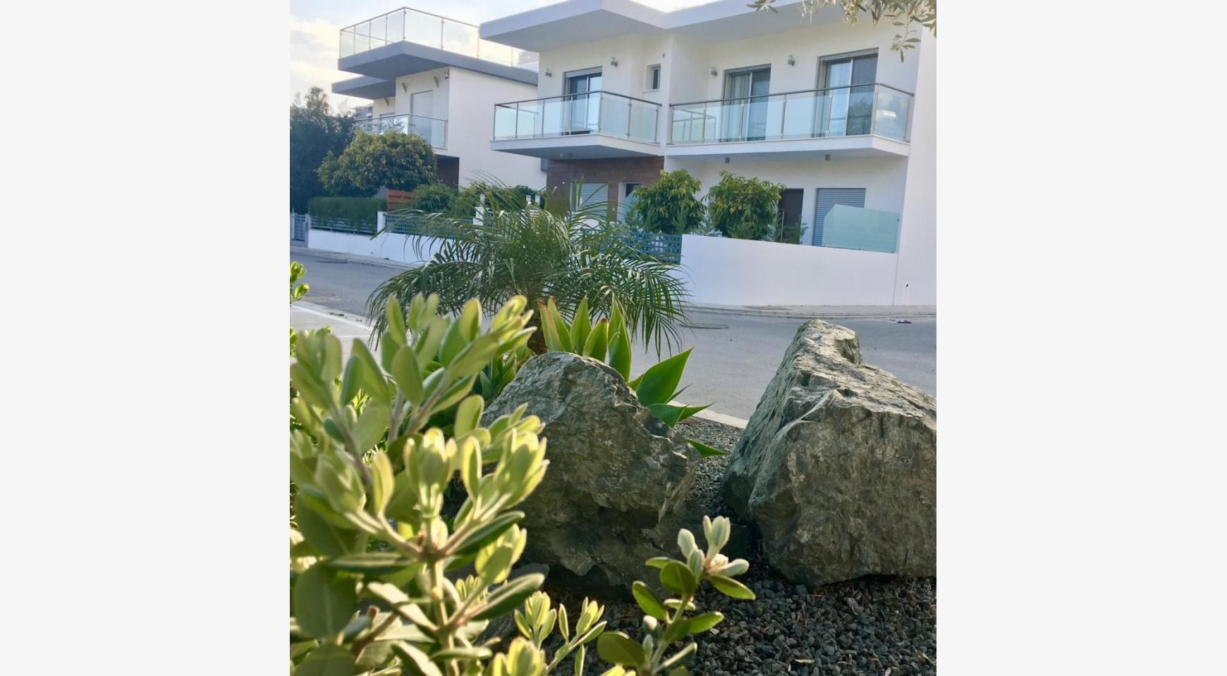 New 4 Bedroom Apartment in Germasogeia Village - 18