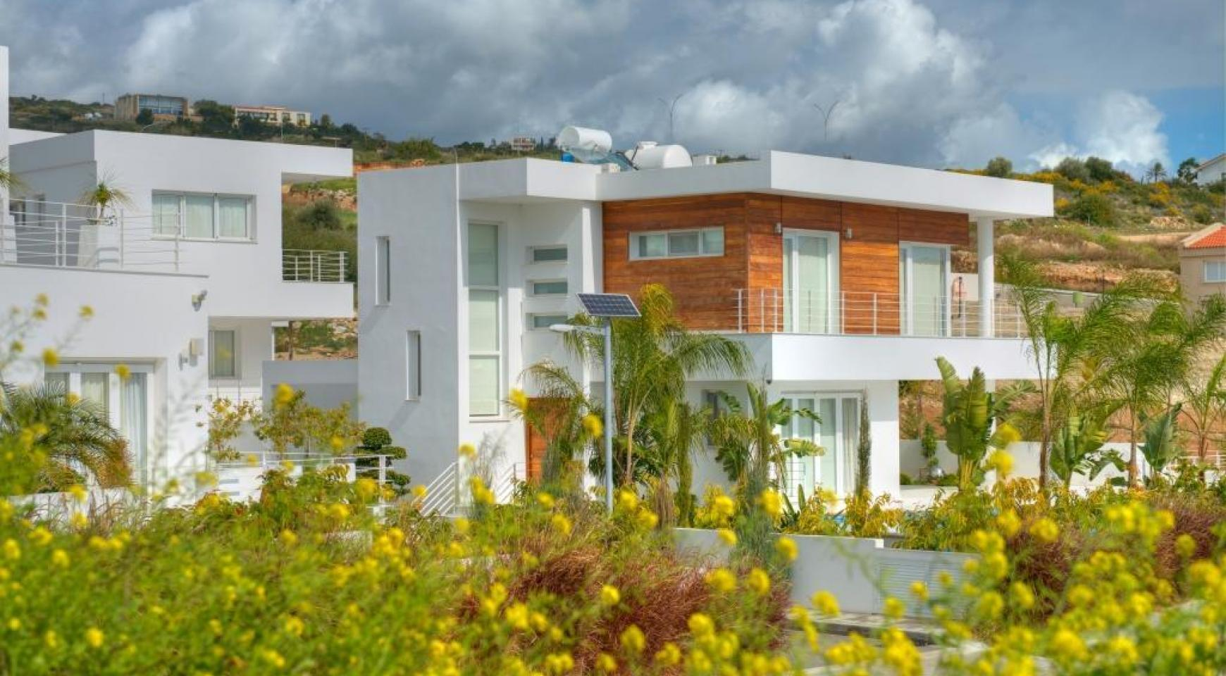Contemporary 4 Bedroom Villa with Sea Views in Agios Tychonas - 7