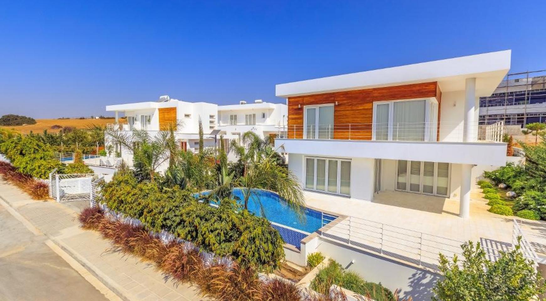 4 Bedroom Villa with Sea Views in Agios Tychonas - 3