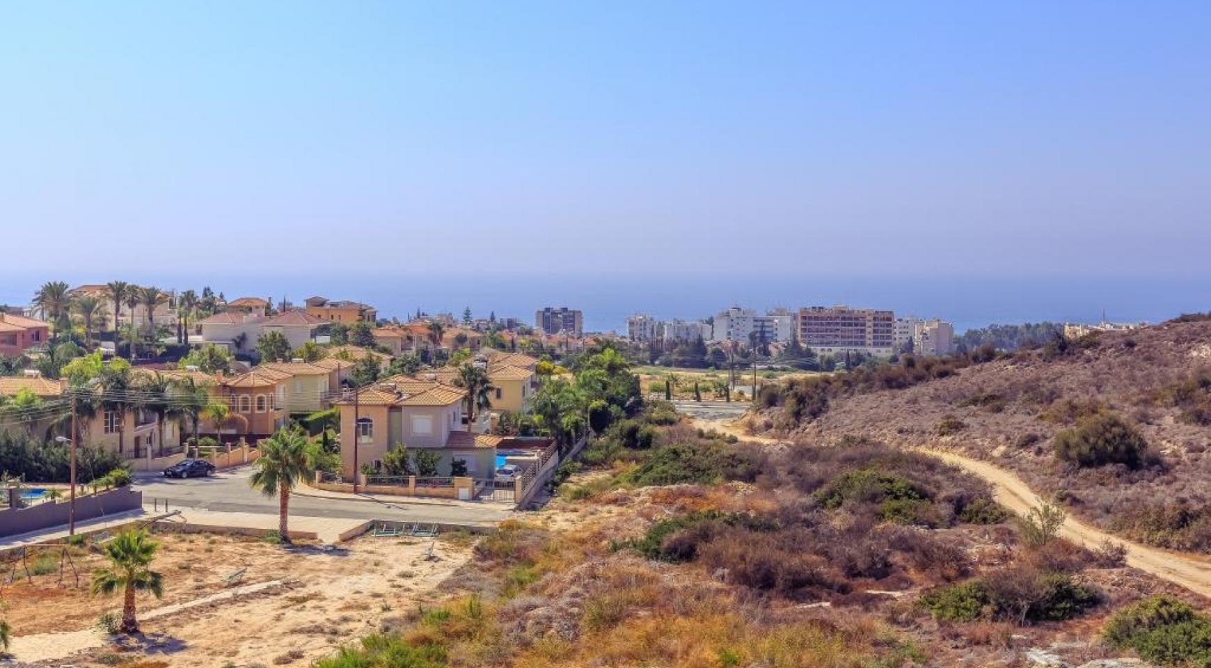 4 Bedroom Villa with Sea Views in Agios Tychonas - 13