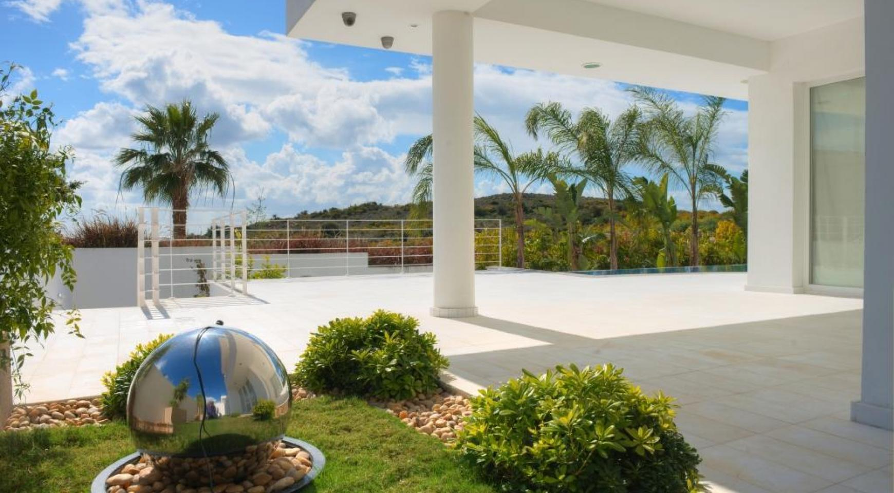 4 Bedroom Villa with Sea Views in Agios Tychonas - 5