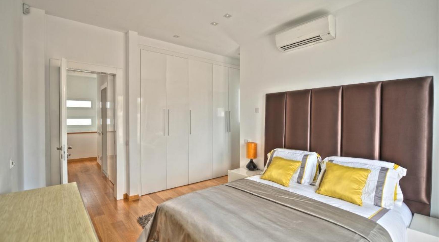 4 Bedroom Villa with Sea Views in Agios Tychonas - 11