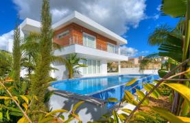 Contemporary 4 Bedroom Villa with Sea Views in Agios Tychonas - 14