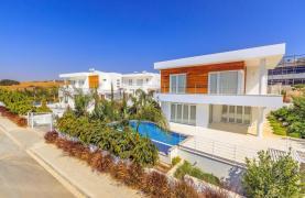 4 Bedroom Villa with Sea Views in Agios Tychonas - 16