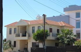 Spacious 5 Bedroom House in Agios Athanasios Area - 12
