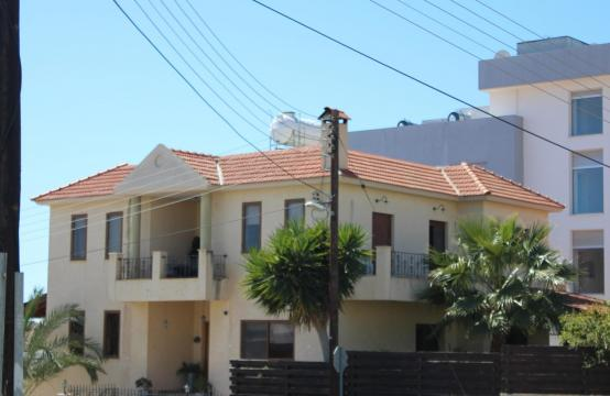 Spacious 5 Bedroom House in Agios Athanasios Area