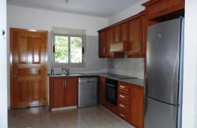 Cozy 2 Bedroom Maisonette in Erimi - 31