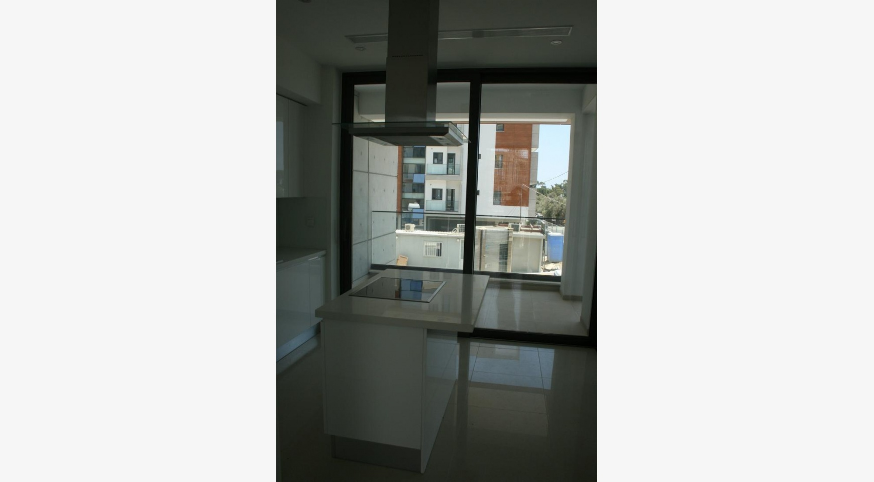 New Modern 3 Bedroom Apartment  near the Sea - 20