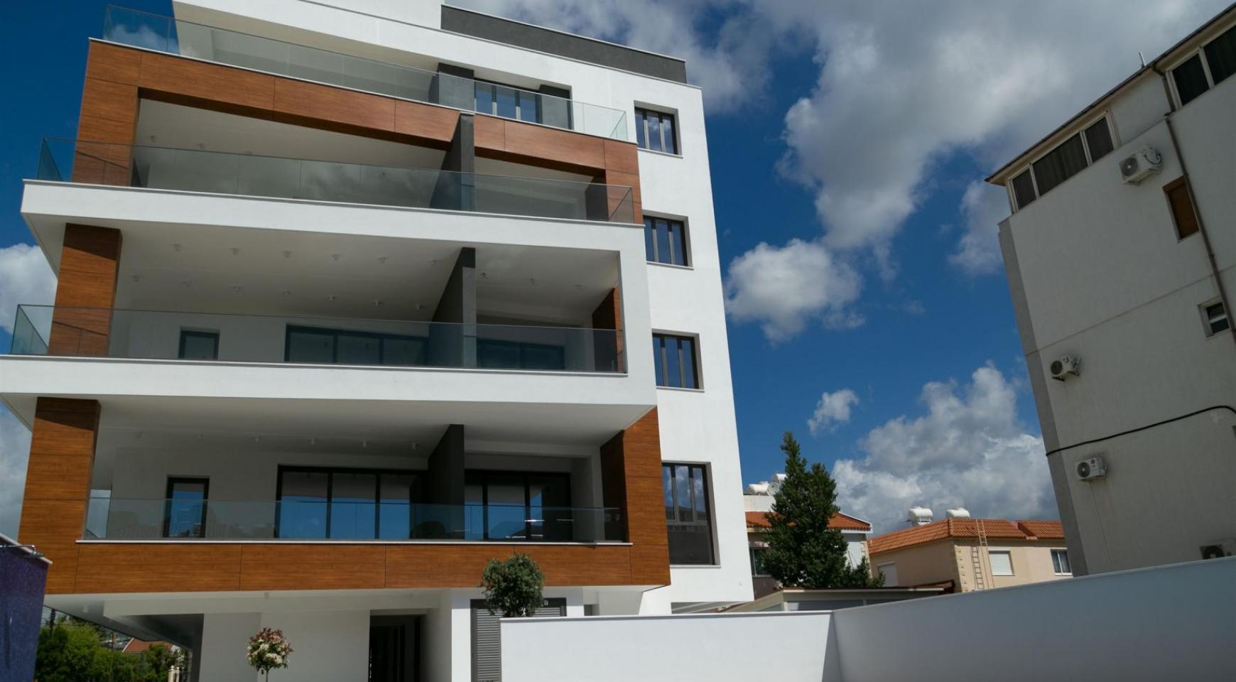 Malibu Residence. Contemporary 2 Bedroom Apartment 201 in Potamos Germasogeia - 4