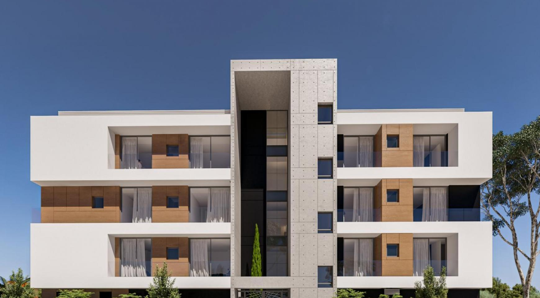 Parkside Residence. Spacious 3 Bedroom Apartment 202 in the Tourist Area  - 2